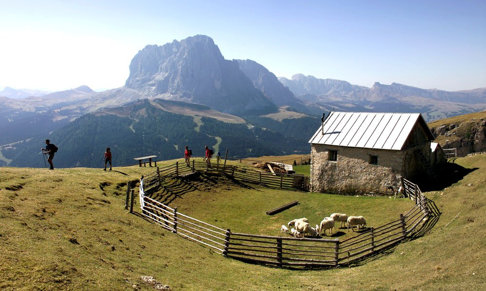 A multi-faceted region: hiking holidays in the Dolomites